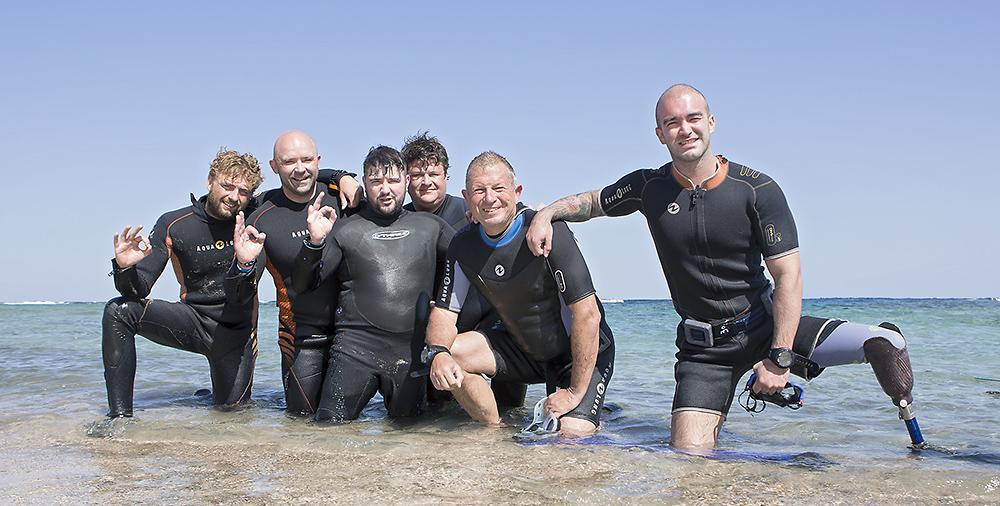 Дайверы с инвалидностью проходят курс PADI Rescue diver